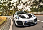 아름다운 괴물, 포르쉐 911 GT2 RS